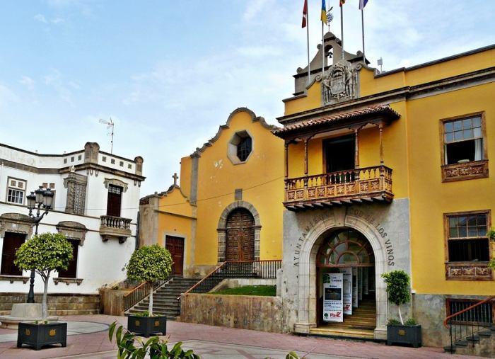 Resultado de imagen de ayuntamiento icod de los vinos